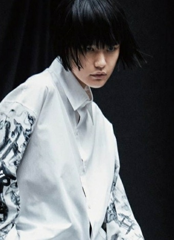 <a href='http://www.wow-trend.com/gallery/index/q/B+Yohji+Yamamoto/gender/2.shtml' target='_blank' style='text-decoration:underline;' class='toolti' title='搜索[B Yohji Yamamoto]所有图片'>B Yohji Yamamoto</a>